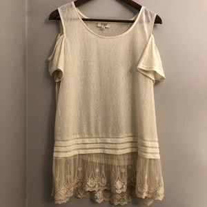 Umgee Cold Shoulder Top With Lace Hem